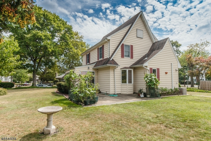 Additional photo for property listing at 666 Pierpont Street  Rahway, New Jersey 07065 United States