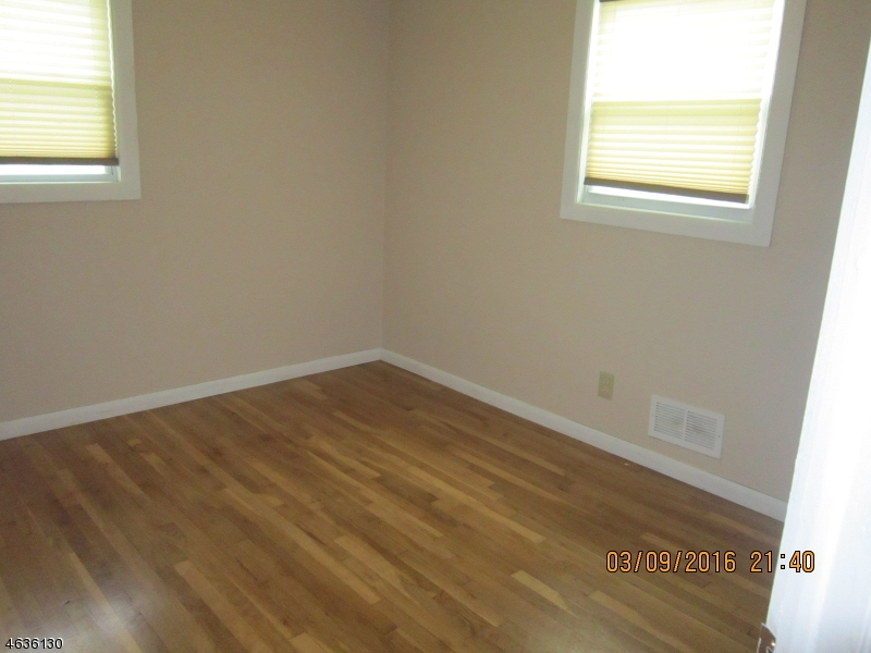 Additional photo for property listing at 2 Filippone Way  Woodland Park, New Jersey 07424 United States