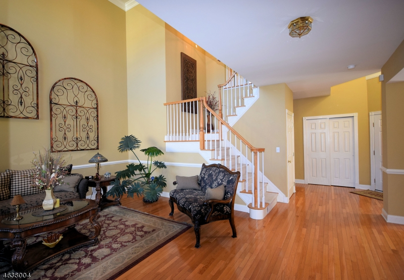 Additional photo for property listing at 29 Briar Court  Hamburg, New Jersey 07419 États-Unis