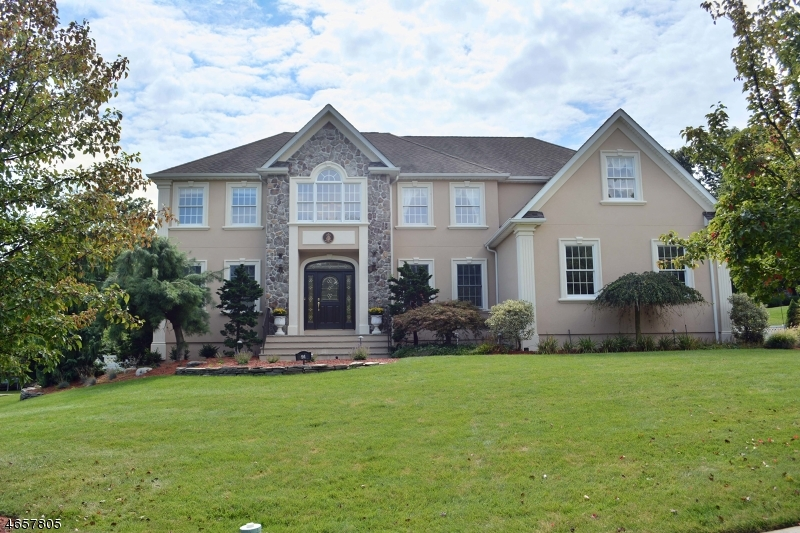 Частный односемейный дом для того Продажа на 91 StreetURR Street Haledon, 07508 Соединенные Штаты