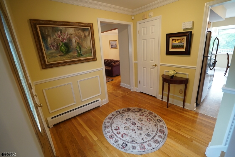 Additional photo for property listing at 33 Knob Hill Road  Hackettstown, Nueva Jersey 07840 Estados Unidos