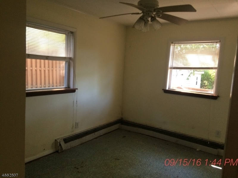 Additional photo for property listing at 406 Brooklyn Mountain Road  Hopatcong, Нью-Джерси 07843 Соединенные Штаты