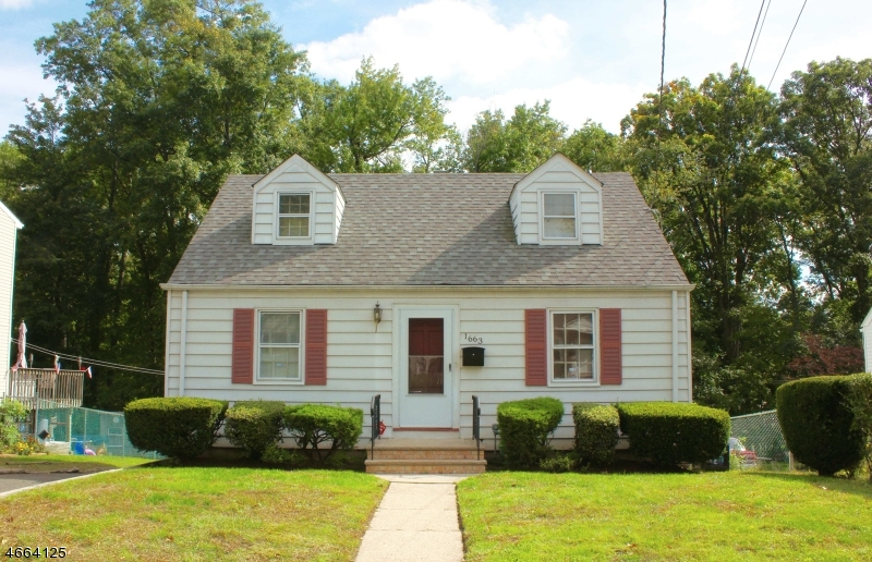 独户住宅 为 销售 在 1663 Kenneth Avenue Union, 新泽西州 07083 美国