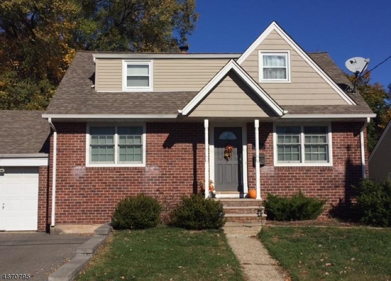 Casa Unifamiliar por un Venta en 154 W Oldis Street Rochelle Park, Nueva Jersey 07662 Estados Unidos