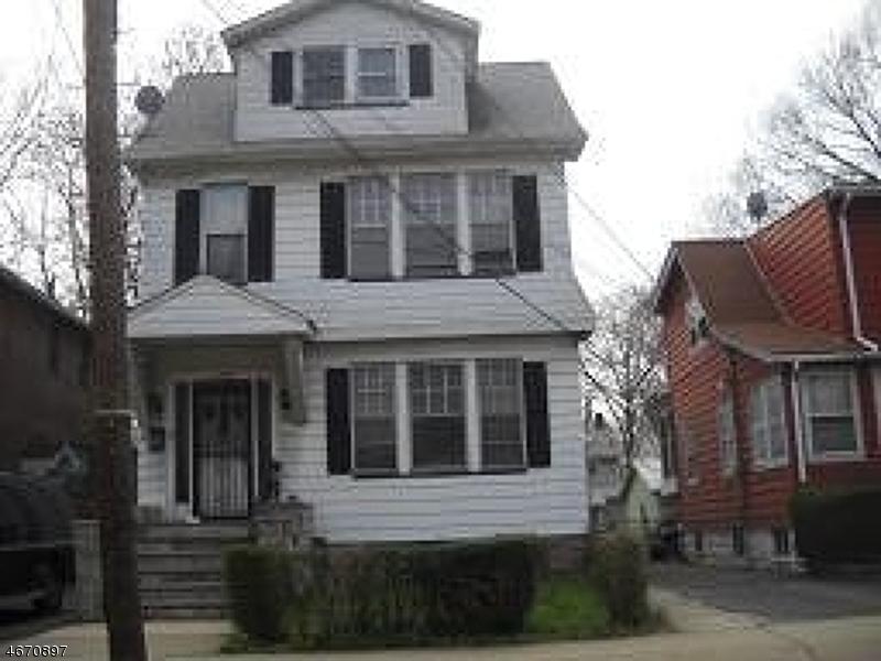 Частный односемейный дом для того Аренда на 172 Paine Avenue Irvington, Нью-Джерси 07111 Соединенные Штаты