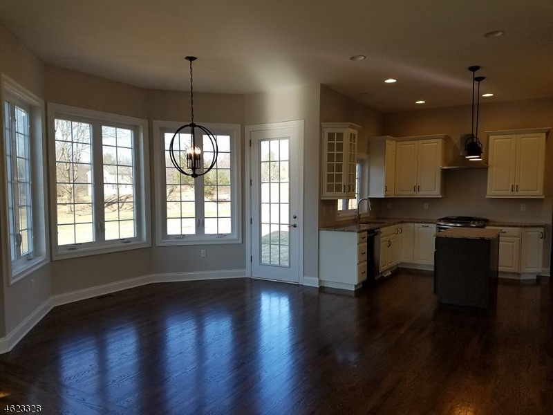 Additional photo for property listing at 9 FAWN RUN LANE  Somerville, New Jersey 08876 États-Unis