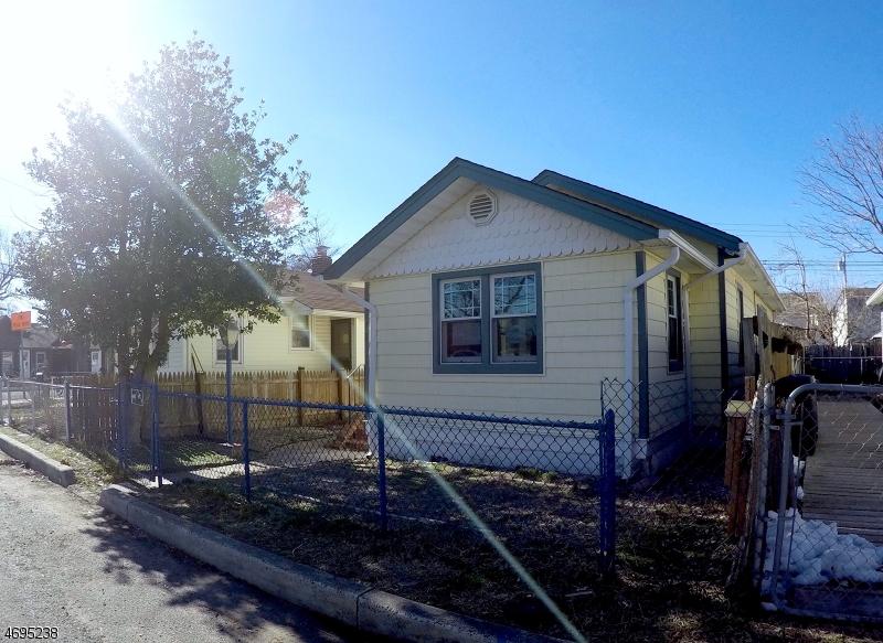 Частный односемейный дом для того Продажа на 30 Seaside Place Keansburg, 07734 Соединенные Штаты