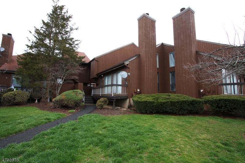 Частный односемейный дом для того Продажа на 498 Auten Rd, 4D Hillsborough, Нью-Джерси 08844 Соединенные Штаты