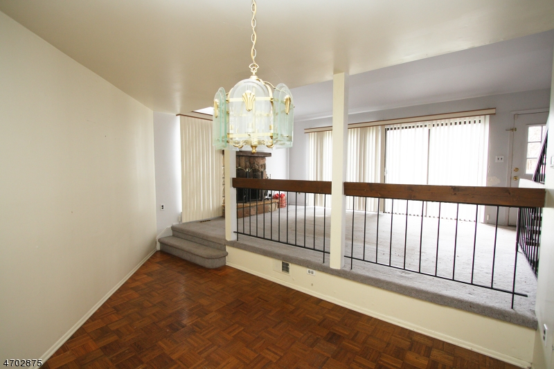 Additional photo for property listing at 498 Auten Rd, 4D  希尔斯堡, 新泽西州 08844 美国