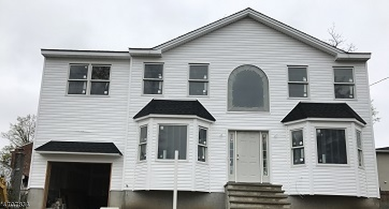 Single Family Home for Sale at 23 Nokomis Avenue Lake Hiawatha, 07034 United States