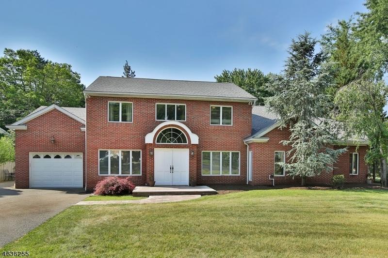 Частный односемейный дом для того Продажа на 17 Jay Street Old Tappan, 07675 Соединенные Штаты