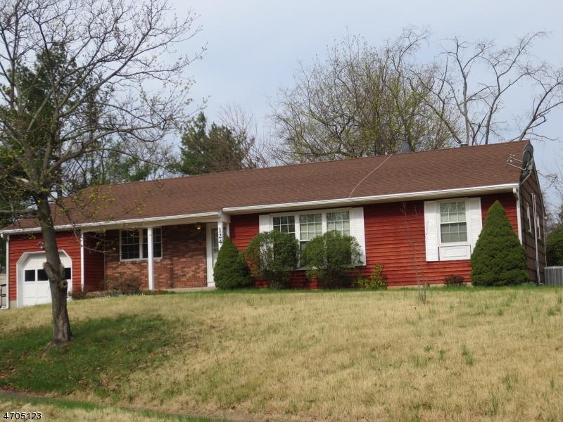 Casa Unifamiliar por un Alquiler en 124 KIMS Court Bridgewater, Nueva Jersey 08807 Estados Unidos