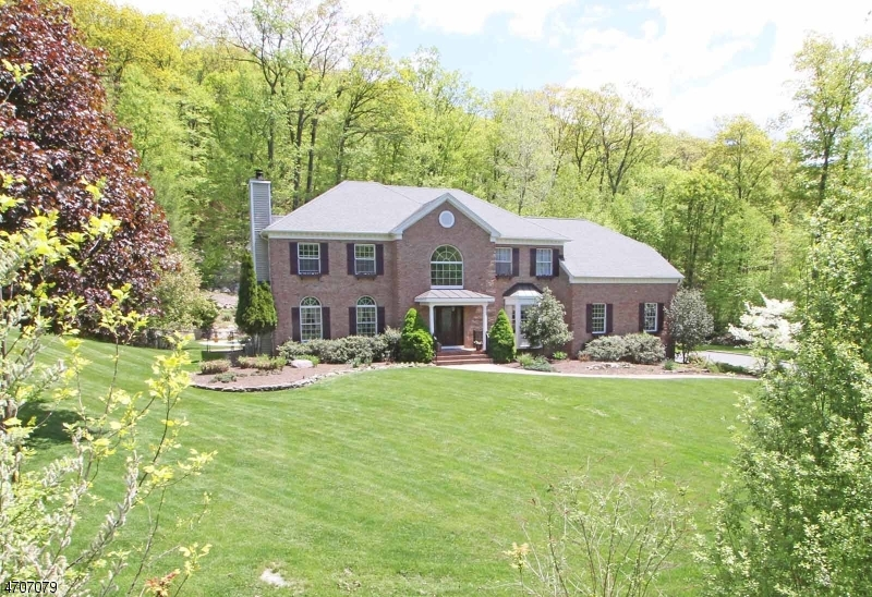 Single Family Home for Sale at 9 Wiltshire Drive Boonton, New Jersey 07005 United States