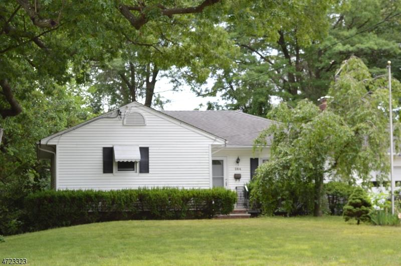 Частный односемейный дом для того Аренда на 284 Harristown Road Glen Rock, Нью-Джерси 07452 Соединенные Штаты