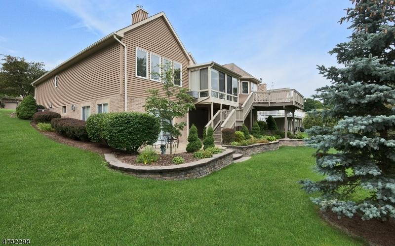Additional photo for property listing at 10 Cypress Lane  Hardyston, Нью-Джерси 07419 Соединенные Штаты