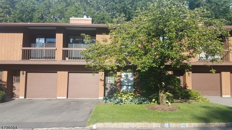 独户住宅 为 销售 在 19121 Westview Wharton, 新泽西州 07885 美国