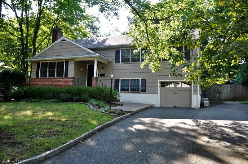 Maison unifamiliale pour l à louer à 178 Center Avenue Chatham, New Jersey 07928 États-Unis