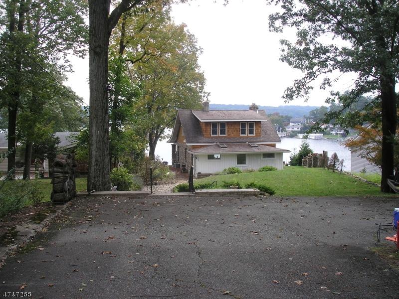 Частный односемейный дом для того Аренда на 52 Ithanell Road Hopatcong, Нью-Джерси 07843 Соединенные Штаты