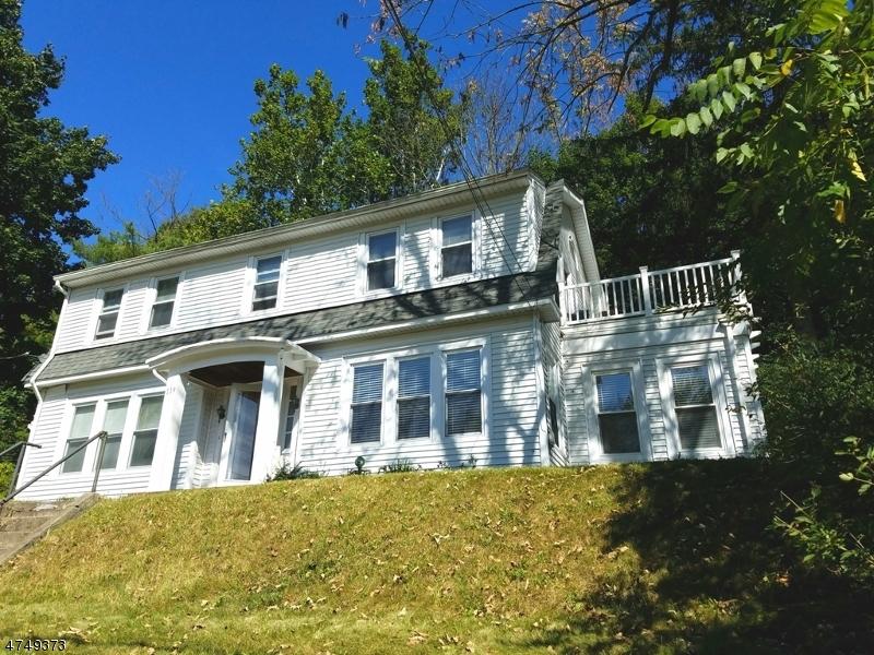 Maison unifamiliale pour l Vente à 119 Main Street Glen Gardner, New Jersey 08826 États-Unis