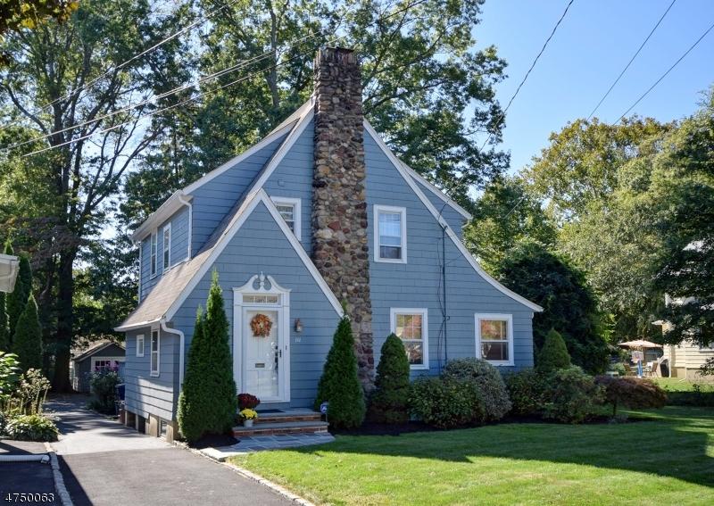 Casa Unifamiliar por un Venta en 111 Willoughby Road Fanwood, Nueva Jersey 07023 Estados Unidos