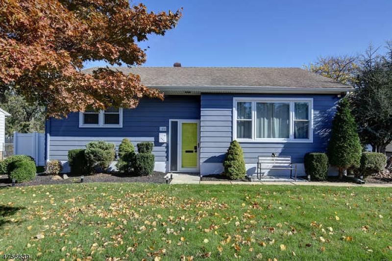 Casa Unifamiliar por un Venta en 44 N 17th Avenue Manville, Nueva Jersey 08835 Estados Unidos