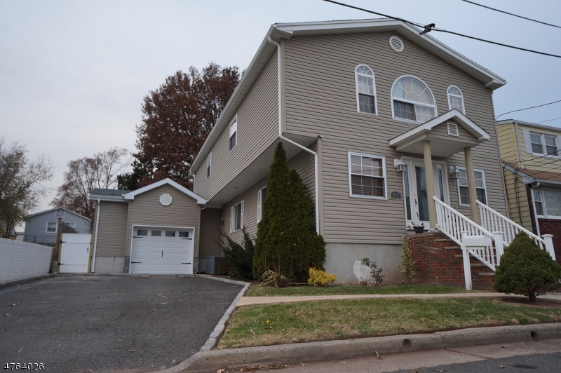 Casa Unifamiliar por un Venta en 25 E 14th Street 25 E 14th Street Linden, Nueva Jersey 07036 Estados Unidos