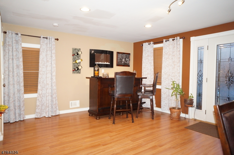 Additional photo for property listing at 25 E 14th Street  Linden, New Jersey 07036 United States