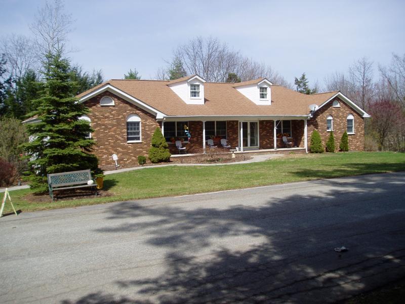 Maison unifamiliale pour l Vente à 106 Autumn Drive Montague, New Jersey 07827 États-Unis