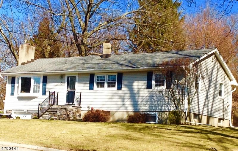 Einfamilienhaus für Verkauf beim 35 Skytop Road 35 Skytop Road Andover Township, New Jersey 07860 Vereinigte Staaten