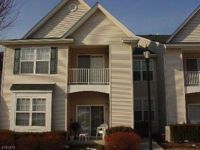 Casa Unifamiliar por un Alquiler en 366 CAMBRIDGE Drive Butler, Nueva Jersey 07405 Estados Unidos