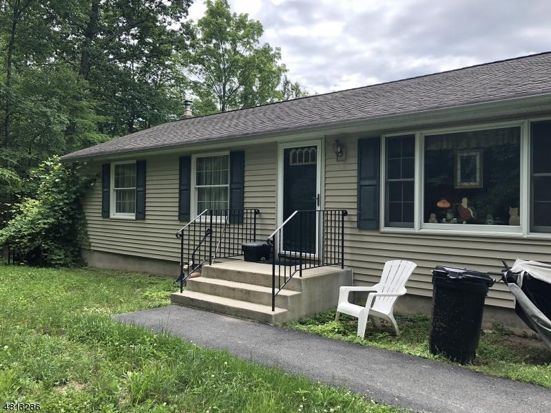 獨棟家庭住宅 為 出售 在 1025 MT BENEVOLENCE Road Stillwater, 新澤西州 07860 美國