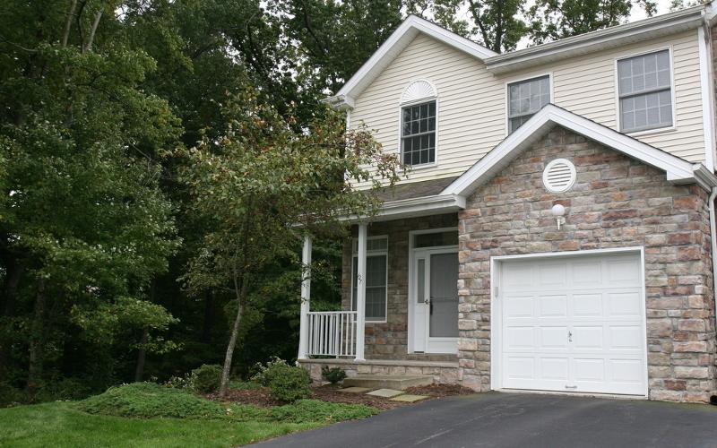 Condominio/ Casa de pueblo por un Alquiler en 127 JILLIAN BLVD Parsippany, Nueva Jersey 07054 Estados Unidos