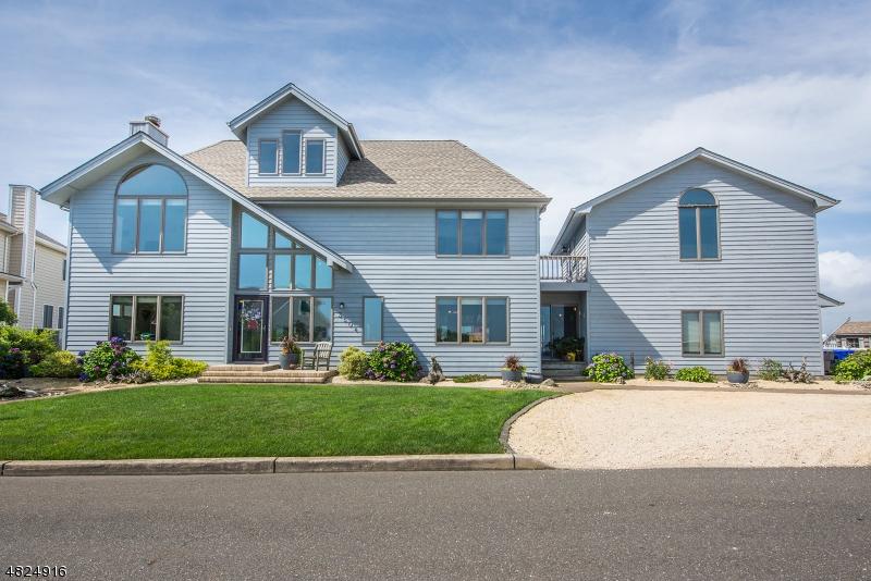 独户住宅 为 销售 在 3504 CHURCHILL Drive 汤姆斯河, 新泽西州 08753 美国