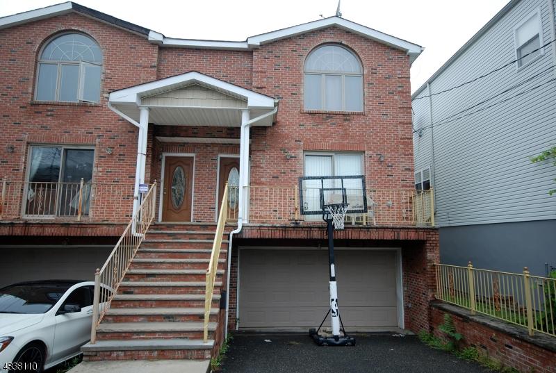 Enfamiljshus för Försäljning vid 71 LINCOLN Street Fairview, New Jersey 07022 Förenta staterna