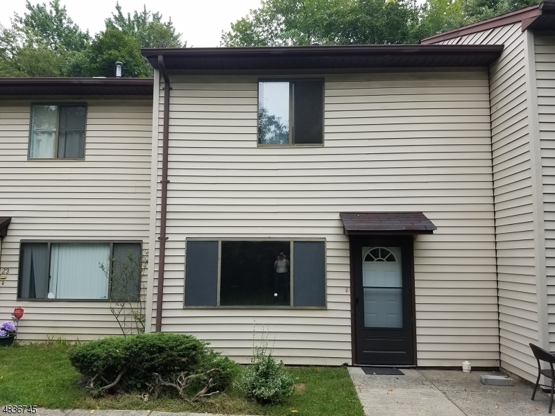 Condo / Townhouse pour l Vente à Address Not Available Orange, New Jersey 07050 États-Unis