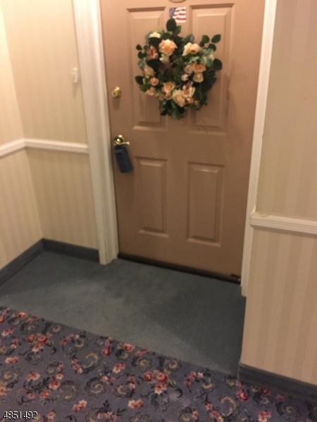 公寓 / 联排别墅 为 销售 在 9114 RICHMOND Road 西米尔福德, 新泽西州 07480 美国