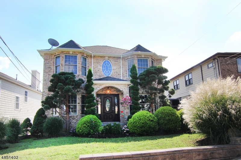 Single Family Home for Sale at 666 TEN EYCK Avenue Lyndhurst, New Jersey 07071 United States