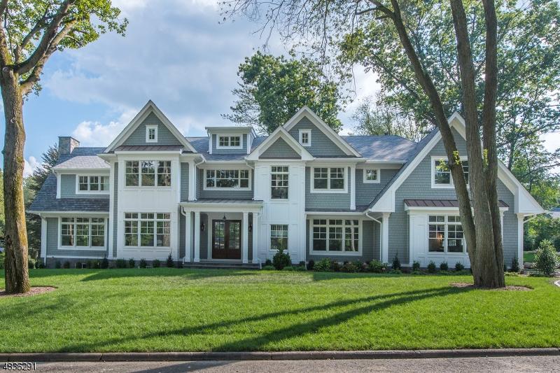 Частный односемейный дом для того Продажа на 504 COVINGTON Place Wyckoff, Нью-Джерси 07481 Соединенные Штаты