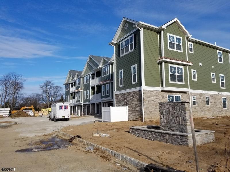 Condominio/ Casa de pueblo por un Venta en 4 Chaz Way Fairfield, Nueva Jersey 07004 Estados Unidos
