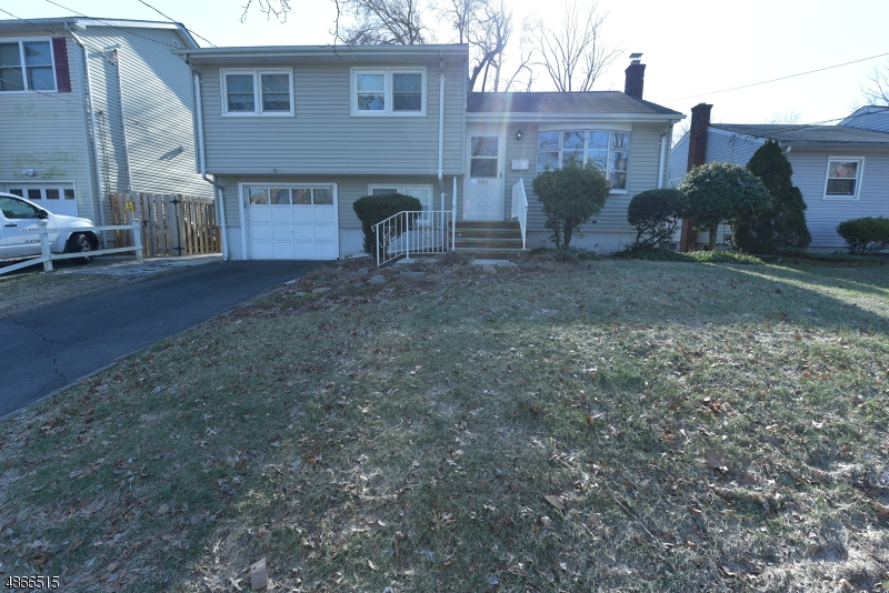 Single Family Home for Sale at 662 MAPLE AVE 662 MAPLE AVE Rahway, New Jersey 07065 United States