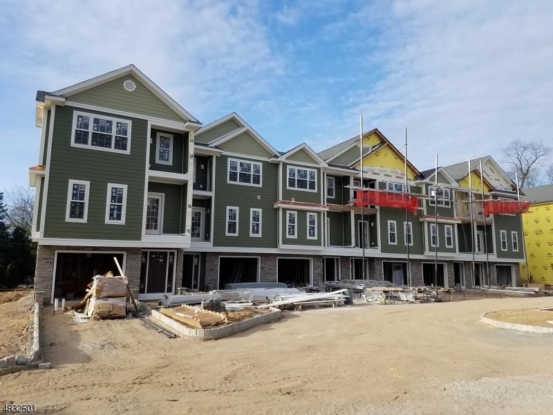 Condo / Townhouse için Satış at 4 Chaz Way Fairfield, New Jersey 07004 Amerika Birleşik Devletleri