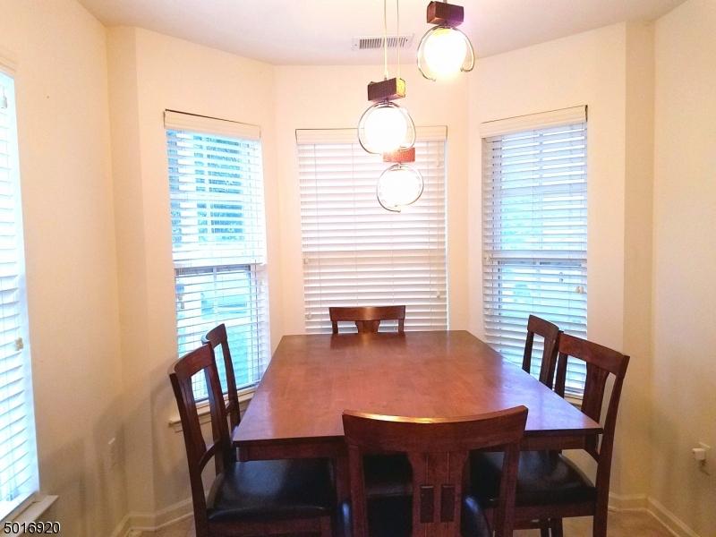 Condo / Townhouse için Satış at Tinton Falls, New Jersey 07753 Amerika Birleşik Devletleri