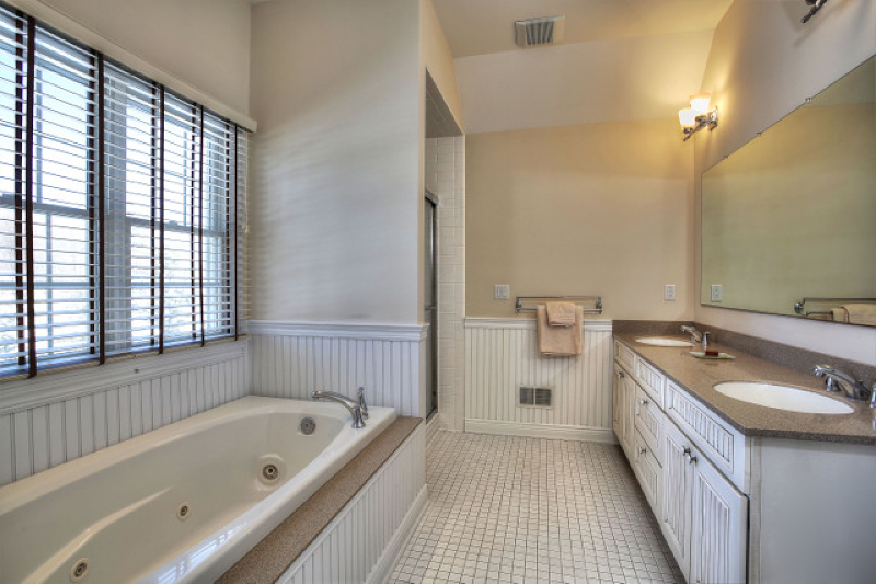 Additional photo for property listing at 464 County Road 513  Califon, 新泽西州 07830 美国