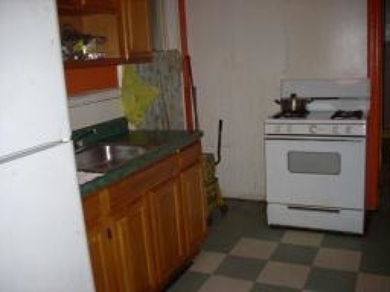 Additional photo for property listing at 37 Blum Street  Newark, Нью-Джерси 07103 Соединенные Штаты