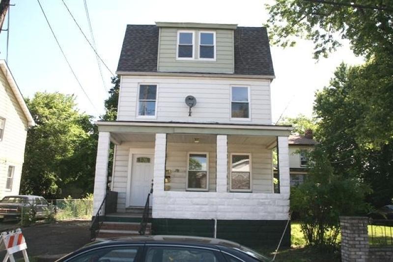 Maison avec plusieurs logements pour l Vente à 379 Marion Street Union, New Jersey 07083 États-Unis