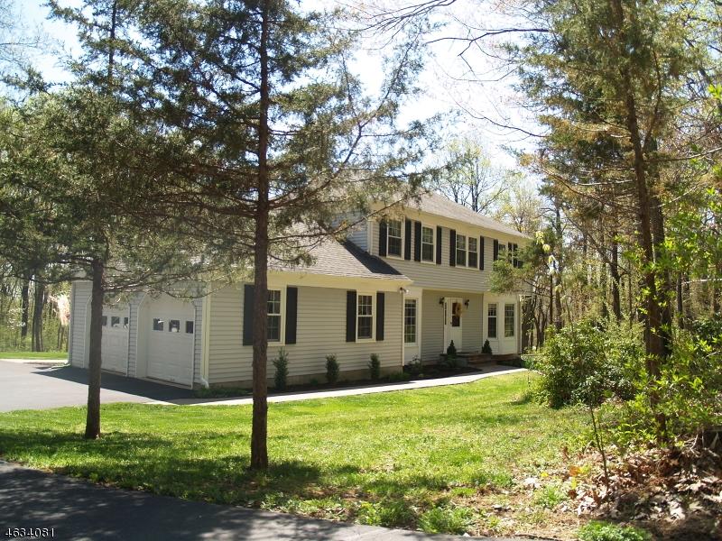 Maison unifamiliale pour l Vente à 153 Woolf Road Milford, New Jersey 08848 États-Unis
