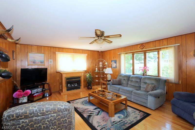 Additional photo for property listing at 1140 Cranbury Road  Union, New Jersey 07083 États-Unis