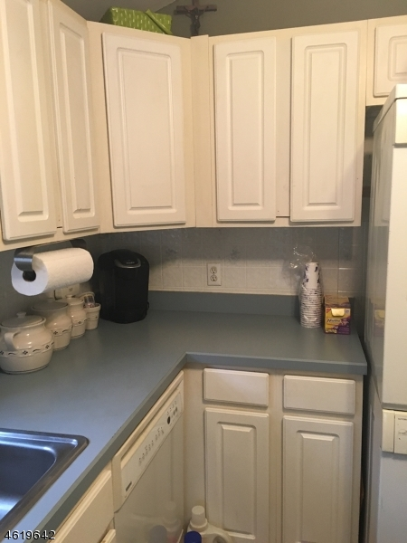Additional photo for property listing at 8 Otter Trail  Stockholm, New Jersey 07460 États-Unis