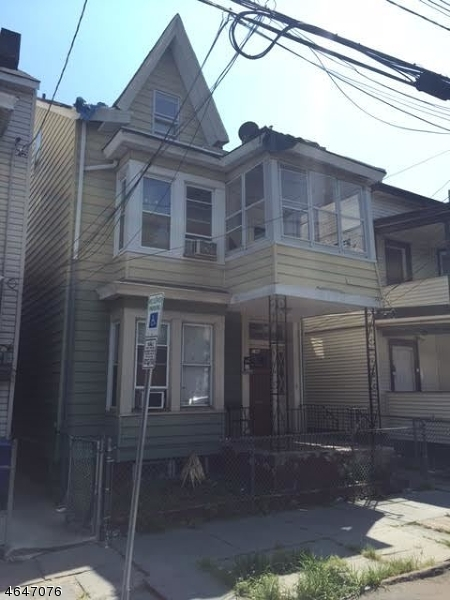 Additional photo for property listing at 214 214 Park Avenue  Paterson, New Jersey 07501 États-Unis
