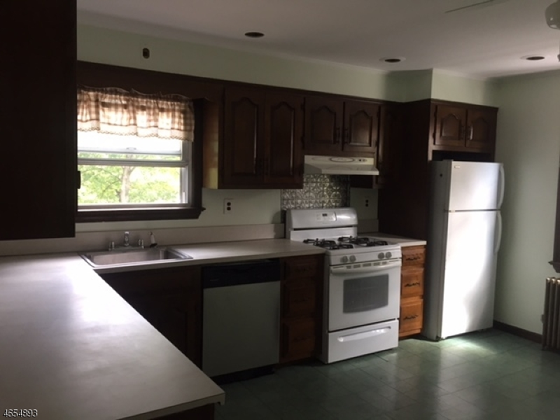 Additional photo for property listing at 159 Spruce Street  Bloomfield, Nueva Jersey 07003 Estados Unidos